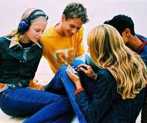 jovenes internet movil