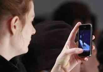 jovenes-con-iphone