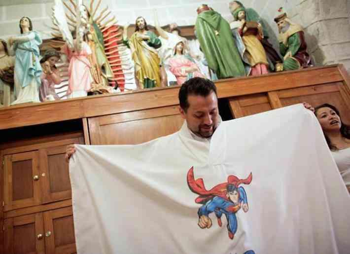 sacerdote superheroes
